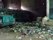 """القمامة بجوار مستودع أنابيب بقليوب البلد.. وقارئ: """"تشتعل ذاتيا"""""""
