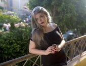 الوجه الآخر لـ ياسمين الخطيب.. تشيكلية وكاتبة تهتم بالمرأة وتعادى الإخوان