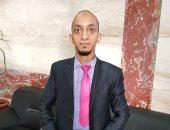 """بالفيديو والصور.. """"إسلام"""" يتحدى إعاقته ويعمل فى 3 وظائف بجانب دراسته بالثانوية العامة"""