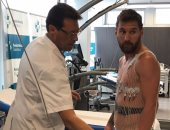 بالفيديو.. ميسي ونيمار وإنييستا يخضعون للكشف الطبى فى برشلونة