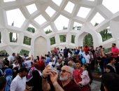 بالصور.. أتراك يحيون الذكرى الأولى لتحركات الجيش بزيارة النصب التذكارى للشهداء