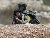 الجيش الإسرائيلى يعتقل فلسطينيا بتهمة قتل اثنين من جنوده