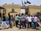 بالسجود على الأرض ودموع الفرحة.. خروج 211 سجينا بموجب عفو رئاسى