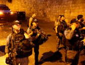 الاحتلال الإسرائيلى يعتقل ١٠٠ معتكف داخل المسجد القبلى بالأقصى