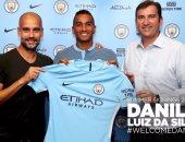رسميًا.. مانشستر سيتى يتعاقد مع دانيلو لمدة 5 سنوات
