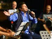 """بالصور.. أمير الغناء ينتهى من بروفات حفله الليلة ضمن فعاليات """"جرش"""" بالأردن"""