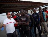 بالصور..السلطات الإسبانية تقدم الرعاية لـ57 مهاجرا بعد إنقاذهم من المتوسط