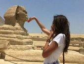مروة طلعت تدعم السياحة بصورة جديدة بعد تمثيل مصر بمسابقة أفضل عارضة أزياء