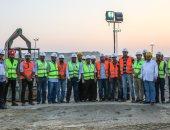 """رئيس """"بتروجت"""" يطالب العاملين بالانتهاء من مشروع حفر أنفاق قناة السويس"""