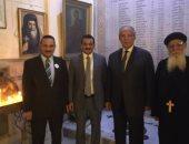 بالصور.. وزير التنمية المحلية يزور الكنيسة المرقسية بالإسكندرية