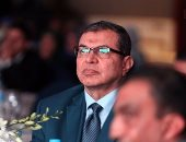 وزير القوى العاملة يلتقى رؤساء شركات الأسمنت اليوم لمناقشة السلامة المهنية
