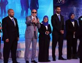 وزير القوى العاملة يشهد تخريج 100 متدرب بالخدمات البترولية بحضور محمد صبحى
