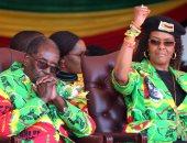 بالصور.. زوجة رئيس زيمبابوى تدعوه للإعلان عن من يفضله لخلافته