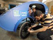 بالصور.. وكالات الأنباء تحتفى بتصميم طلاب جامعة حلوان سيارة تعمل بالطاقة الشمسية
