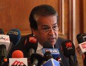 وزير التعليم العالى يكلف بالانتهاء من وضع الجداول الدراسية قبل بداية العام