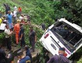 مصرع 4 أشخاص وإصابة 20 آخرين إثر اصطدام شاحنة بحافلة ركاب فى باكستان