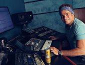 """عمرو دياب يطرح ألبومه الجديد """"معدى الناس"""" على """"يوتيوب"""""""