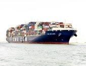 مهاب مميش : عبور 54 سفينة بحمولة 2.7 مليون طن قناة السويس