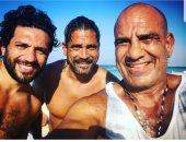 أمير كرارة ينشر صورته مع حسن الرداد ومحمد لطفى على البحر
