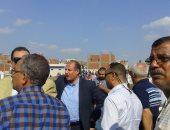 بالصور ..محافظ الإسكندرية : الدفع بـ 25 سيارة إسعاف.. وجار حصر الخسائر