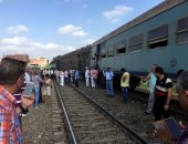 """تصادم قطار ركاب بـ""""تروسيكل"""" محمل بأنابيب غاز بين البدرشين والمرازيق دون إصابات"""