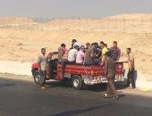 المرور تشن حملات على سيارات النقل لتحميلها الركاب بالصندوق الخلفى