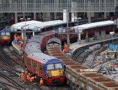"""بالصور.. انحراف قطار عن مساره فى محطة """"واترلو"""" بلندن"""