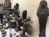 ضبط 264 تمثال بورسلين يشتبه فى أثريتهم داخل منزل عامل بالمنيا