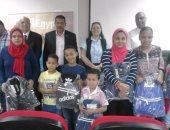 """بالصور.. """"التضامن"""" توزع ألف شنطة مدرسية على الأسر الأكثر احتياجًا بالإسكندرية"""