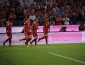 شاهد.. لاعب بايرن ميونخ يفتتح أول أهداف الدورى الألمانى