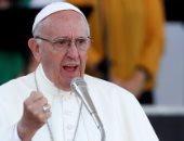 البابا ينتقد رجال الدين الذين يلتقطون الصور بهواتفهم أثناء القداس