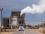 النفط ينزل عن أعلى سعر فى 3 سنوات تخوفا من مغالاة فى الصعود
