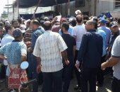 بالصور.. إقبال كبير من المواطنين لشراء كراسات شروط المشروع التعاونى ببورسعيد