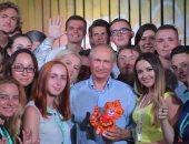 الرئيس الروسى يلتقى فنانين شباب لدعم المشاريع الفنية