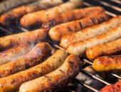 صحيفة بريطانية: لحم خنزير وسجق بأحد المتاجر أصابا الآلاف بالتهاب الكبد E