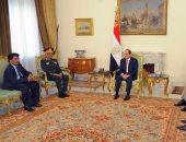 وزير الدفاع السودانى يغادر القاهرة بعد لقاء الرئيس السيسى