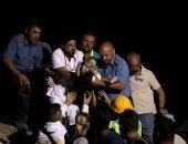 بالفيديو.. لحظة إنقاذ طفل من تحت الأنقاض بعد زلزال إيطاليا