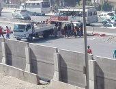 إصابة 8 أشخاص فى حادث انقلاب ميكروباص أعلى الطريق فى كرداسة