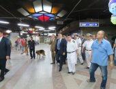 بالصور .. جولات مفاجئة لمساعد وزير الداخلية لشرطة النقل بالمترو والسكة الحديد