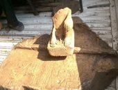 الآثار: رفع جزء من تمثال جرانيت وزنه 8 أطنان بالمطرية