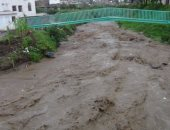 بالفيديو.. أمطار غزيرة تغرق العاصمة اليمنية صنعاء