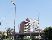 قارئ يرصد ترك أعمدة الكهرباء مضاءة نهارا بحدائق القبة ومطالب بمحاسبة المقصرين
