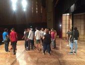 بالصور.. استقبال حافل لأشرف عبدالباقى ونجوم مسرح مصر بالإسكندرية