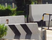 أهالى الإسماعيلية يطالبون بإزالة الحواجز الخرسانية من أمام أقسام الشرطة
