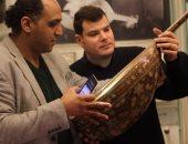 لأول مرة نكشف.. أسرار أعواد متحف الموسيقى العربية وقياساتها.. أقدمها منذ 127 عاما.. وعودان يثبتان كيف صنع الأتراك والسوريون الأعواد على القالب المصرى.. وحنفى الكيال أسطورة الأساطير