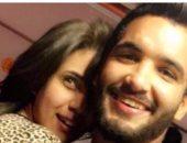 صالح جمعة يتلقى تهنئة من زوجته بعد الفوز على أوغندا .. تعرف عليها