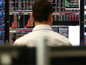 البنوك ترفع أسهم أوروبا بعد تلميح إلى رفع الفائدة الأمريكية