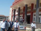 رئيس جامعة أسوان يتفقد المبانى الجديدة لكليات الحقوق ودار العلوم