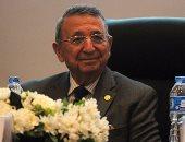 بالصور.. أحد حضور ندوة للعالم مصطفى السيد: اكتشفت جزيئات من الذهب فى الملوخية