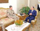 السيسي يؤكد لقائد القيادة المركزية الأمريكية أهمية العلاقات بين القاهرة وواشنطن